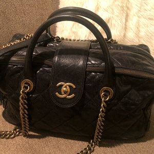 Chanel Calfskin quilted Black Bag purse